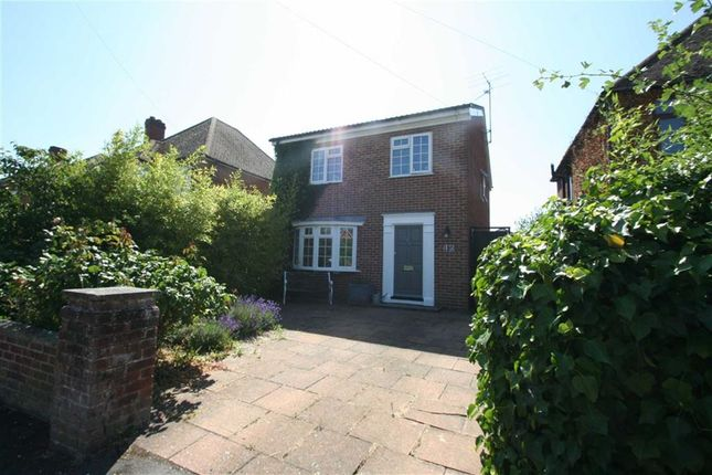 Thumbnail Detached house to rent in Fifth Road, Newbury
