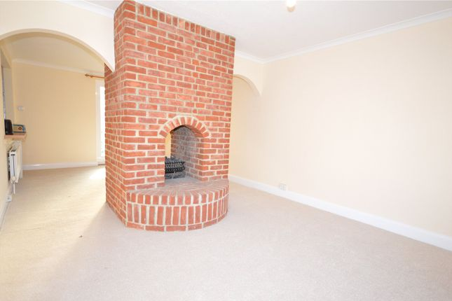 Thumbnail Detached house to rent in Queens Lane, Arundel, West Sussex