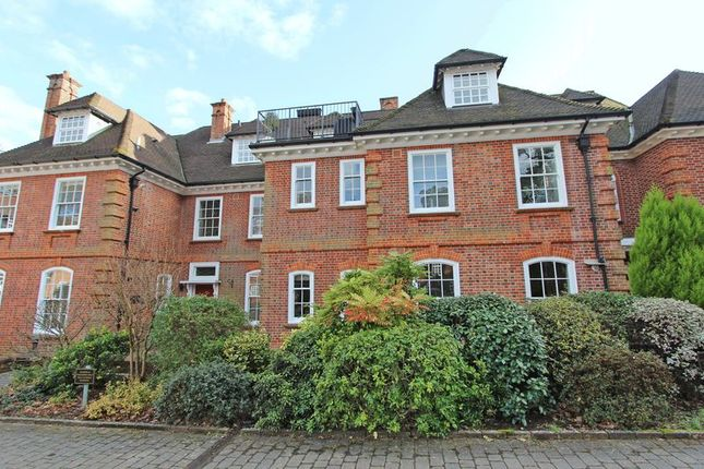 Thumbnail Flat for sale in Bracken Place, Chilworth, Southampton