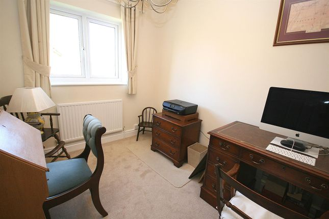 Bedroom 4/Study of Eaton Park, Eaton Bray, Beds LU6