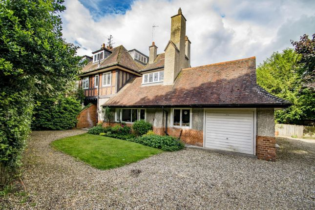 Thumbnail Flat for sale in Oriel House, Thames Road, Goring On Thames