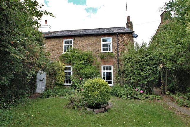 3 bed property to rent in Chertsey Road, Byfleet, West Byfleet KT14