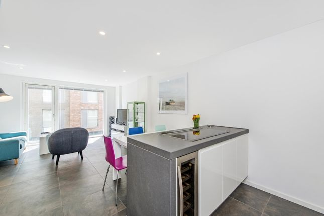 Thumbnail Flat to rent in Pear Tree Street, London