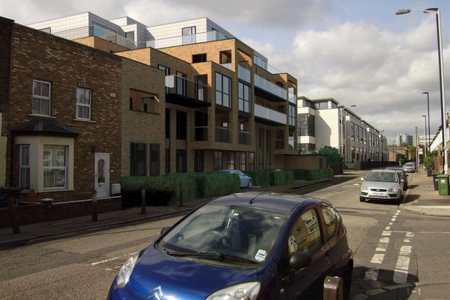 Thumbnail Flat to rent in Trundleys Road, London