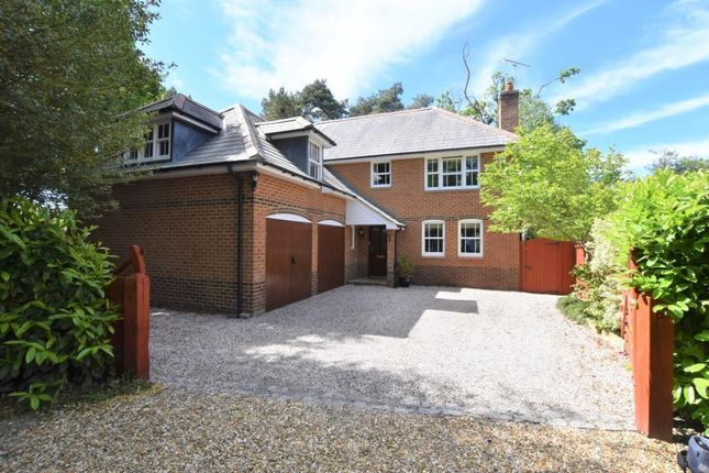 Thumbnail Detached house for sale in King Street, Mortimer Common, Reading