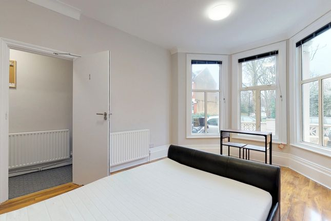 Thumbnail Room to rent in Falkland Road, London