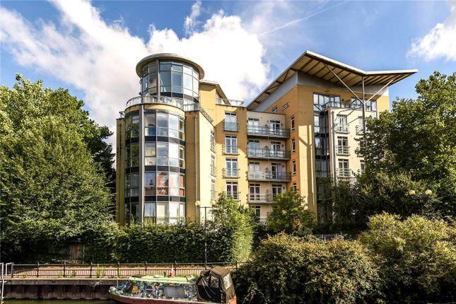 Thumbnail Flat to rent in The Meridian, Kenavon Drive, Reading, Berkshire