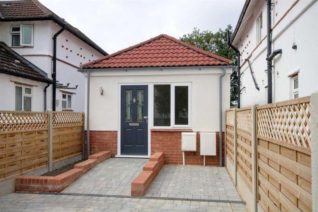 Thumbnail Bungalow to rent in Curtis Road, Hemel Hempstead