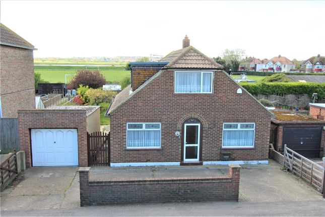 3 bed property for sale in Marine Parade, Sheerness ME12