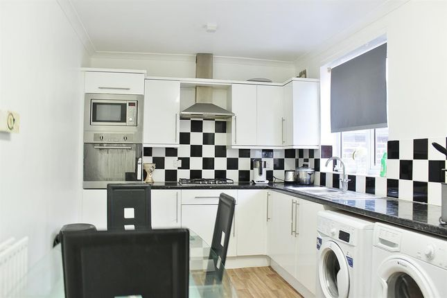 Thumbnail Terraced house to rent in Edington Road, London