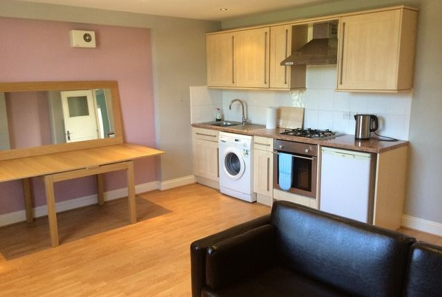 1 bed flat to rent in Brixton Road, Stockwell, London