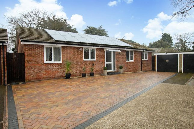 Thumbnail Bungalow for sale in Smugglers Lane North, Highcliffe, Christchurch