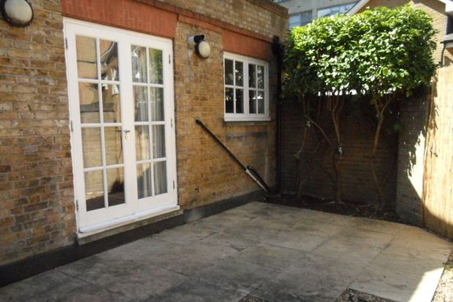 Thumbnail Cottage to rent in Sandland Street, Holborn, London