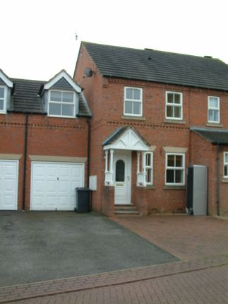 Thumbnail Semi-detached house to rent in Knavesmire, Leeds
