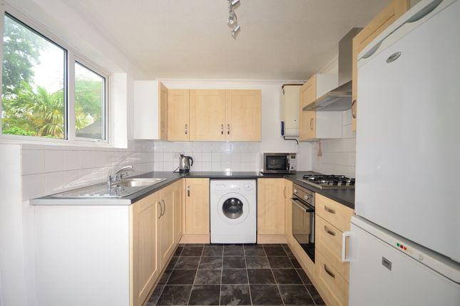8 Lymington Kitchen