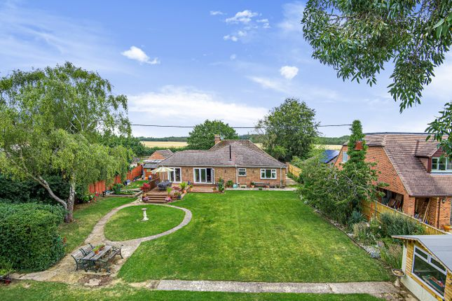 Thumbnail Bungalow for sale in Faringdon, Oxfordshire