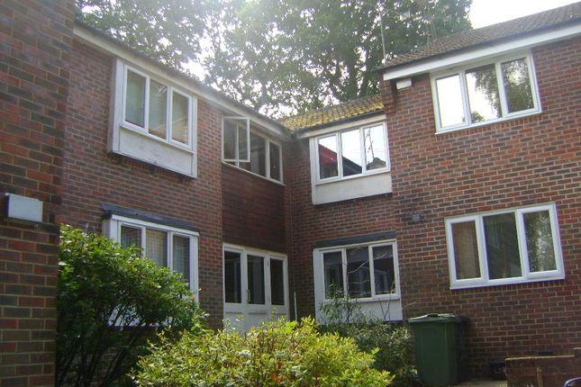 Thumbnail Studio to rent in Dudley Close, Bordon