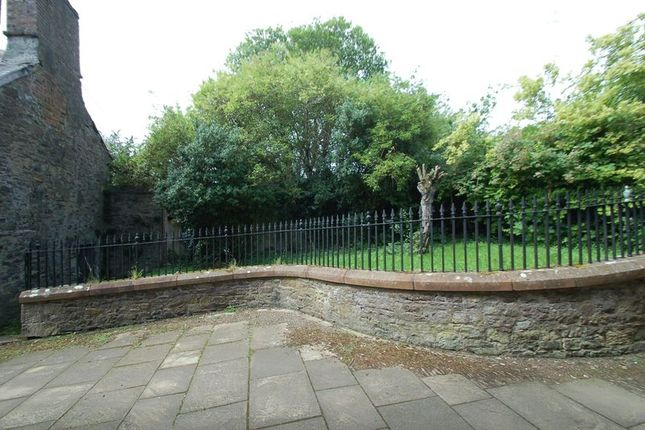Garden Area of High Street, Lanark ML11