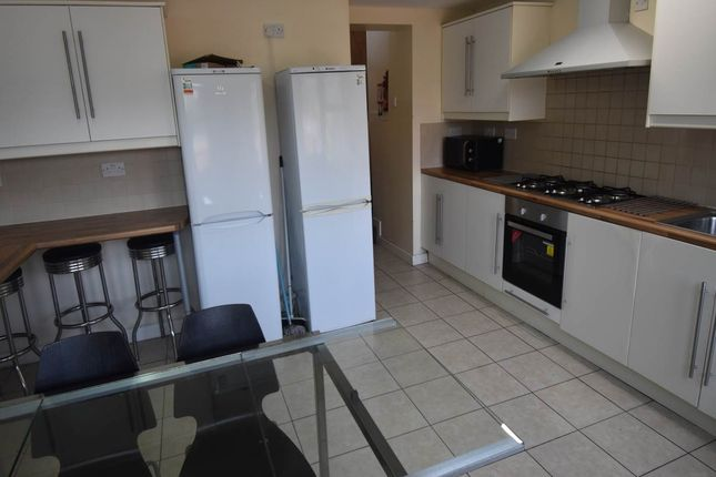 Thumbnail Shared accommodation to rent in Waterloo Place, Brynmill, Swansea