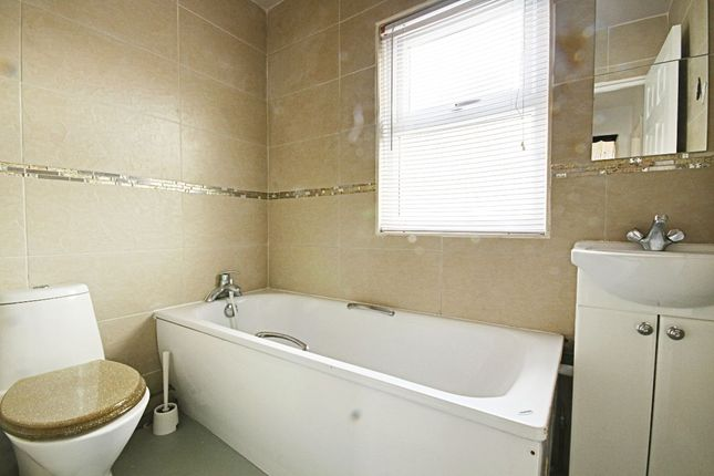 Thumbnail Flat to rent in Pallister Road, Clacton On Sea, Essex