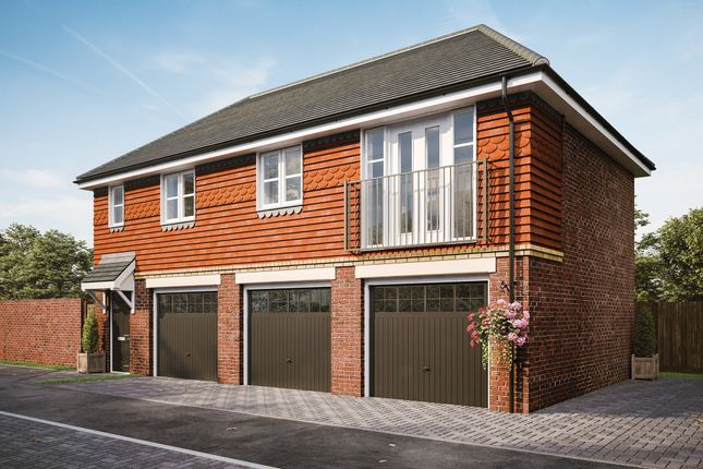 Thumbnail Maisonette for sale in Minley Road, Farnborough