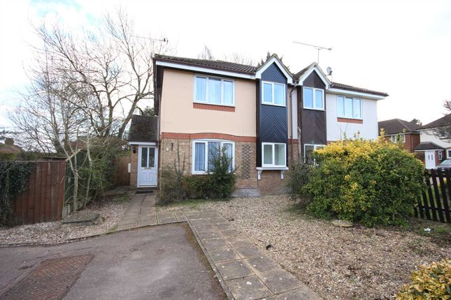 Thumbnail Town house to rent in Milward Gardens, Binfield, Bracknell