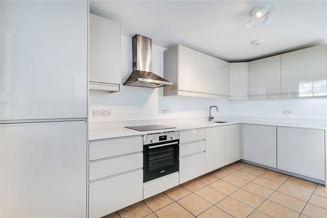 Thumbnail Flat to rent in Trellick Tower, 5 Golborne Road, London