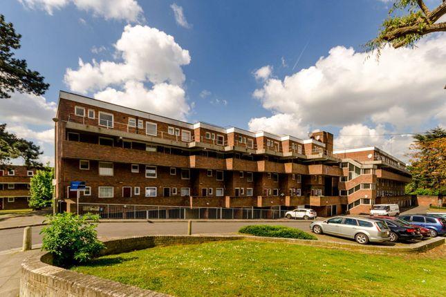 Thumbnail Flat to rent in Stoughton Close, Roehampton