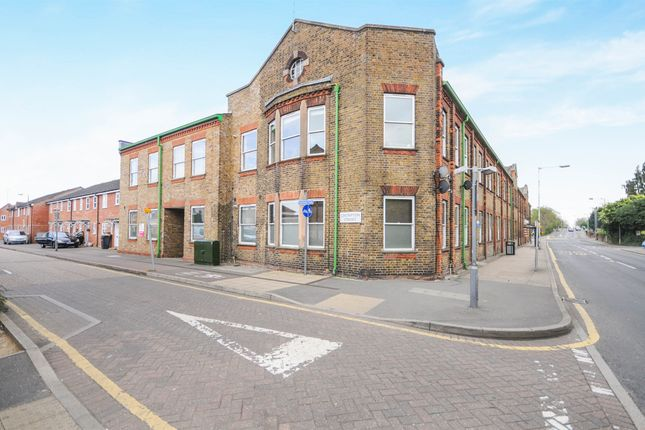 Thumbnail Flat for sale in Writtle Road, Chelmsford