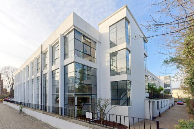 Thumbnail Flat to rent in Pioneer Centre, Frobisher Place, Peckham, Greater London