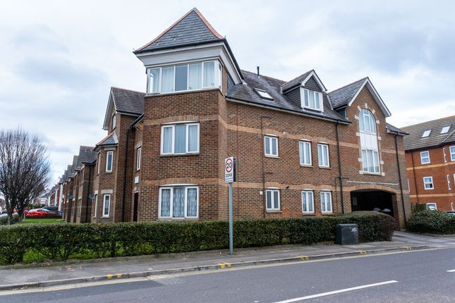 Thumbnail Flat for sale in Ashley Road, Parkstone