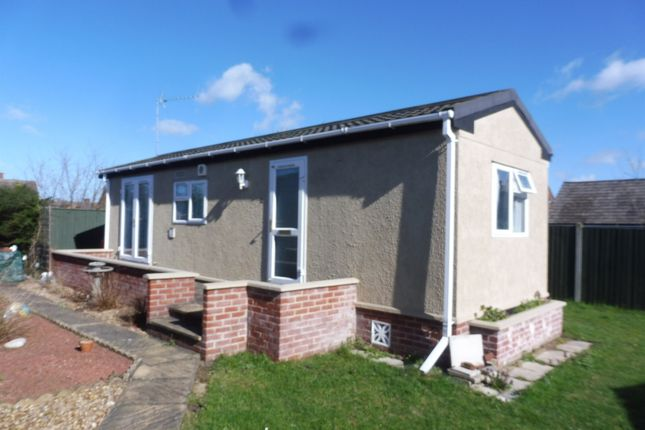 Thumbnail Mobile/park home for sale in Ashdale Park, London Road, Brandon