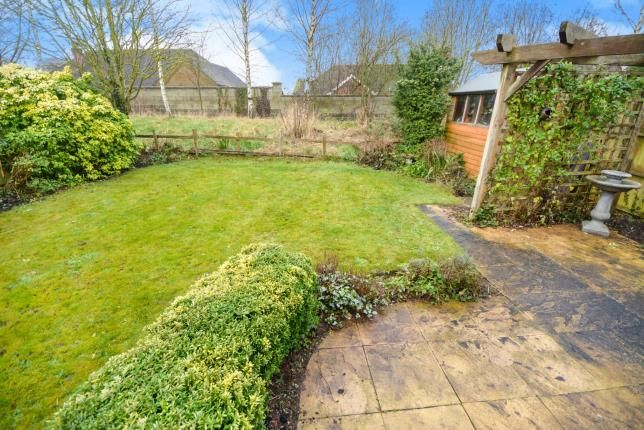 2 bed bungalow for sale in Doncaster Gardens, Navenby, Lincoln, Lincolnshire
