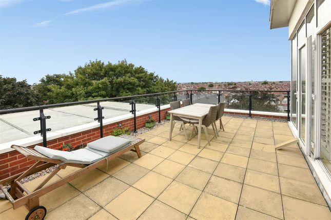 Thumbnail Flat for sale in Admirals House, Gisors Road, Southsea