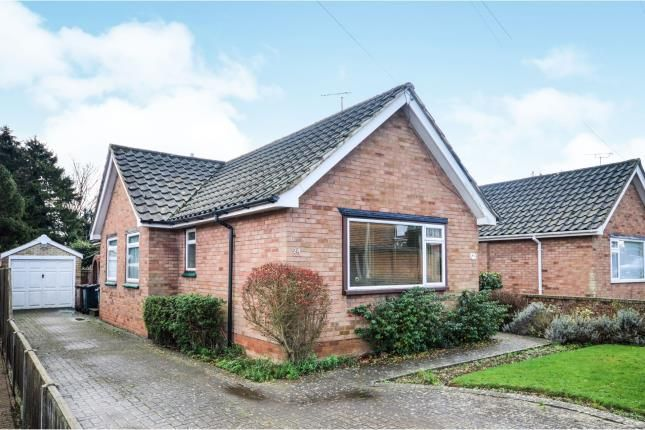 Thumbnail Bungalow for sale in Northumberland Avenue, Kennington, Ashford, Kent