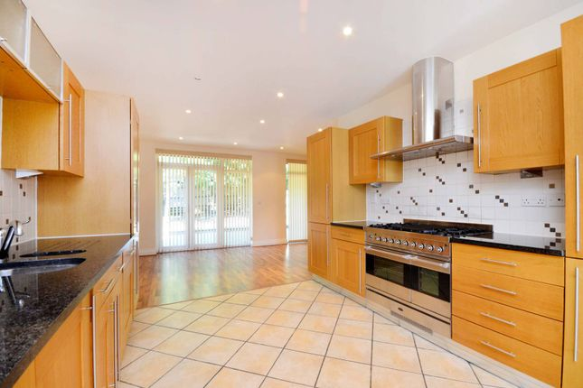 Thumbnail Property for sale in Princess Mary Close, Queen Elizabeth Park