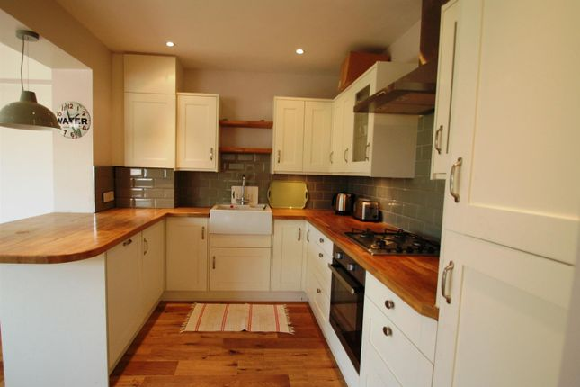 Thumbnail Semi-detached house to rent in Long Walk, New Malden