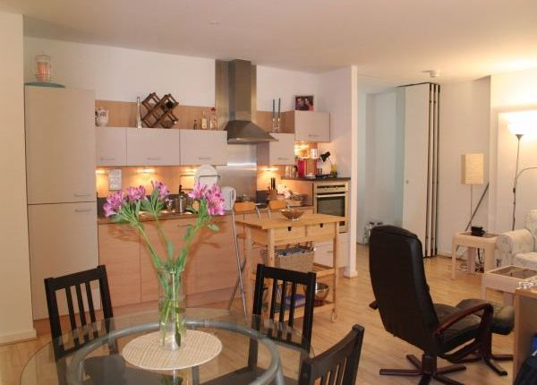 Thumbnail Flat to rent in Farnsworth Court, West Parkside, London
