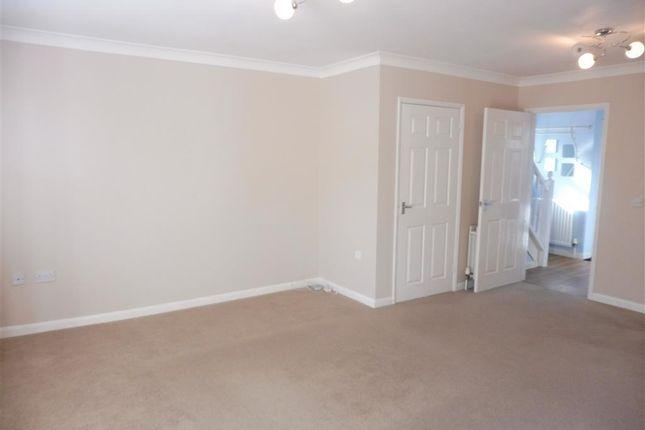 Living Room of Elveroakes Way, Wyke Regis, Weymouth DT4
