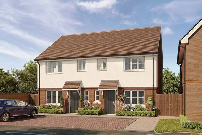 3 bedroom semi-detached house for sale in Hellingly Green, Hailsham, East Sussex