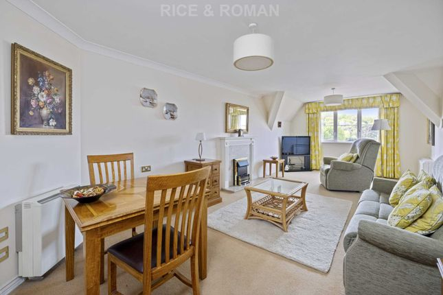 1 bed flat for sale in Hinchley Manor, Hinchley Wood KT10
