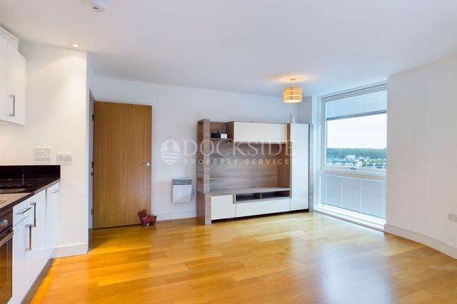Flat to rent in Dock Head Road, Chatham
