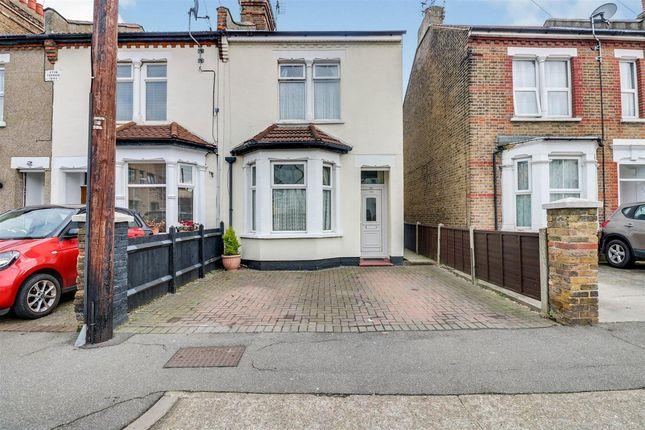 Thumbnail Semi-detached house to rent in North Road, Westcliff-On-Sea