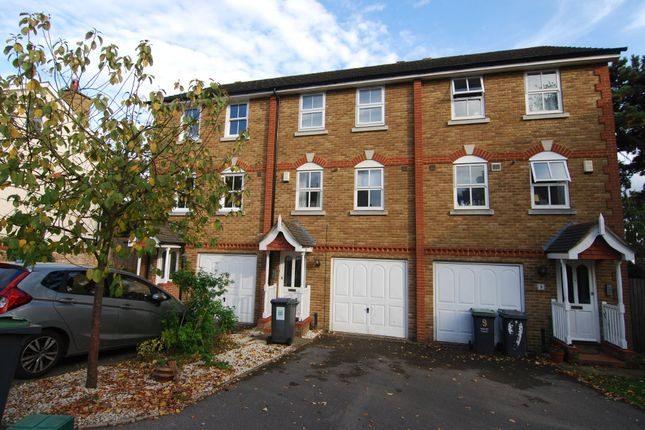 3 bed town house to rent in Lime Tree Close, Tonbridge TN9