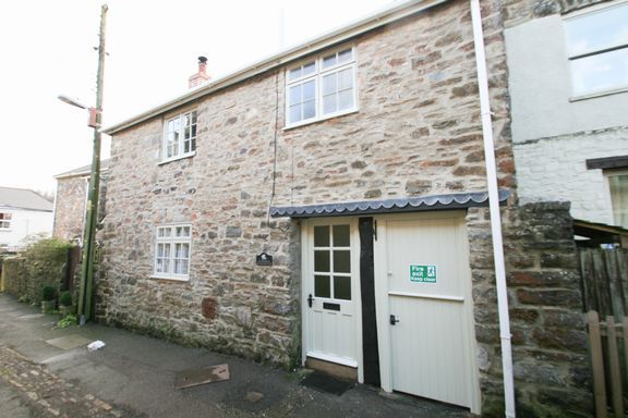 Thumbnail Cottage for sale in Silver Street, Bampton, Tiverton
