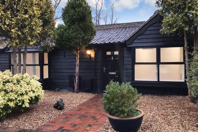 Thumbnail Bungalow to rent in Coxtie Green Road, Pilgrims Hatch, Brentwood