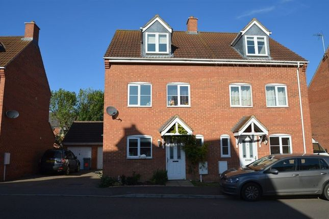 Thumbnail Property to rent in Delaine Close, Bourne