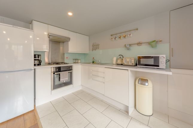 Kitchen of New Kent Road, London SE1