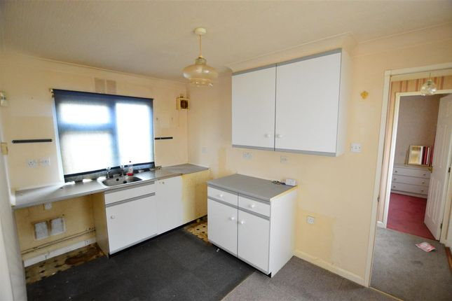 Kitchen of The Paddock, Westgate Park, Sleaford NG34
