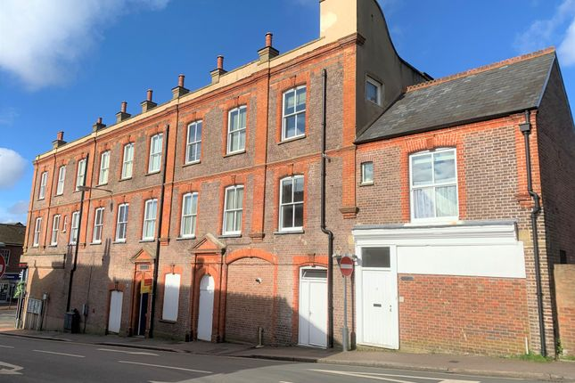 1 bed flat to rent in Station Road, Chesham HP5